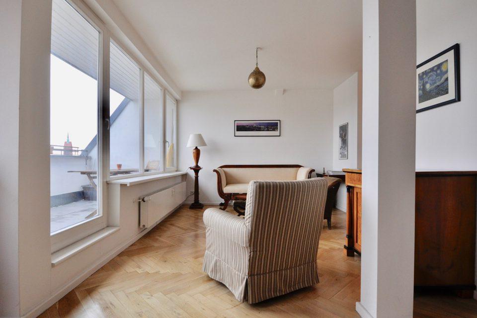 Herrschaftliche, geschmackvolle Wohnung nahe Victoria-Luise-Platz