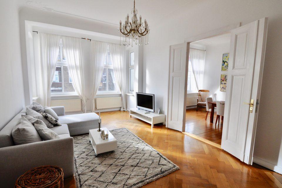 Raumerstraße Großzügige Altbauwohnung mit geschmackvollem Interieur