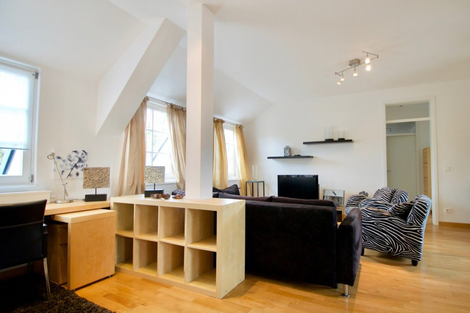 Platanenallee Exquisite 4-Zimmer Wohnung in idyllischer Lage