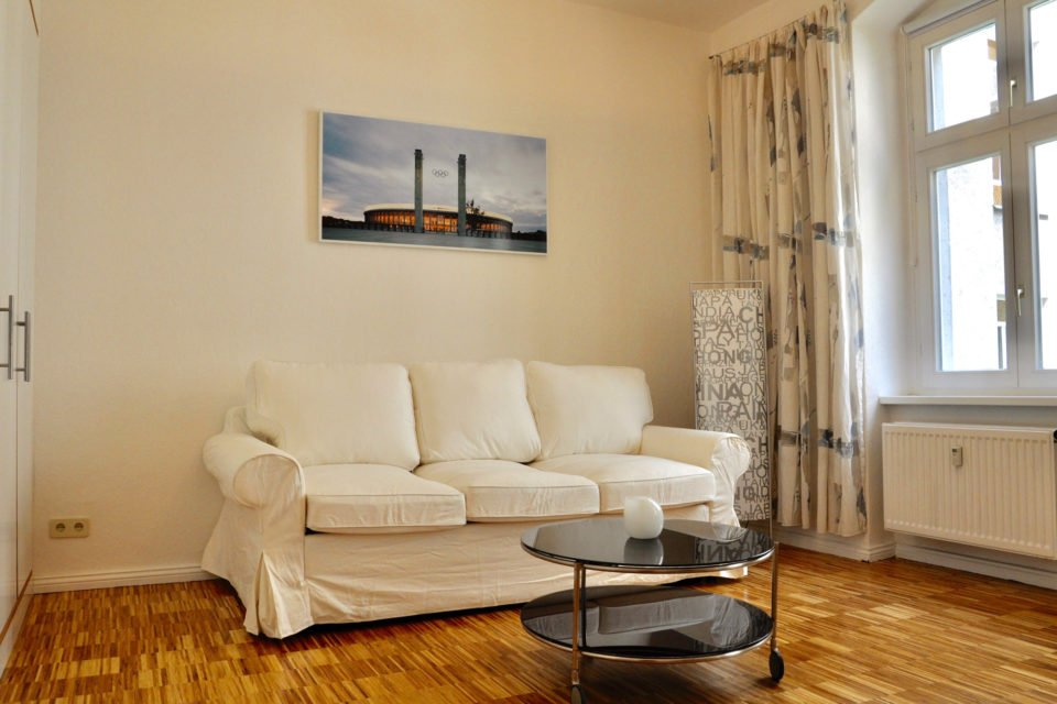 Bright apartment in a popular residential area