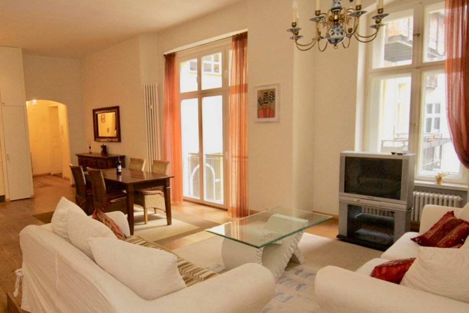 Beautiful stylishly furnished 2 room apartment