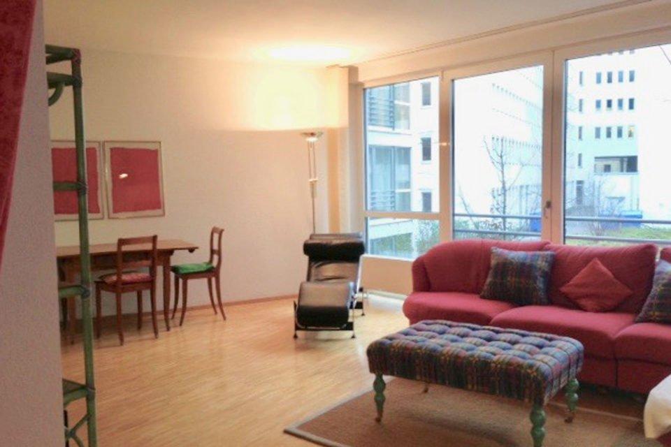 Geräumige 1.5 Zimmer Wohnung nahe Hackescher Markt