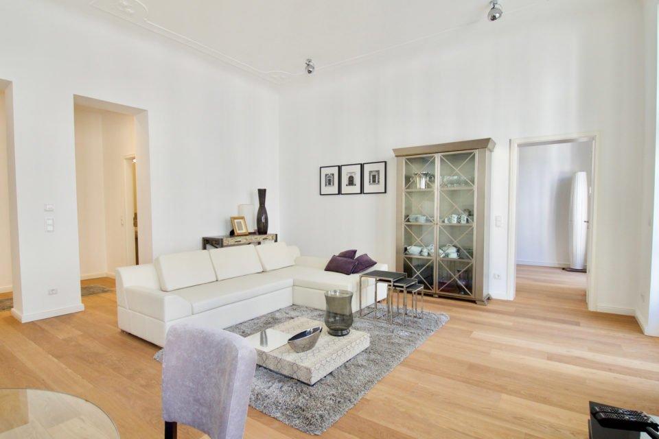 Kurfürstendamm Einladende 2-Zimmer-Wohnung im Haus Cumberland