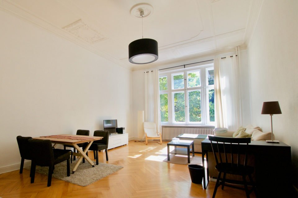 Charming 3-room-apartment with a sunny living room