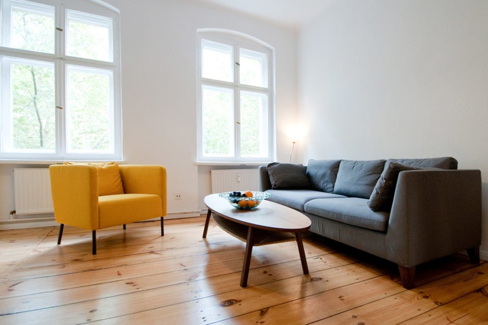Modernly furnished 2-room apartment in a popular neighborhood