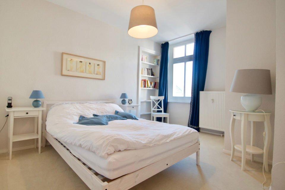 Geräumige und helle Altbauwohnung mit Wohnküche