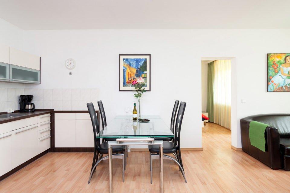 Zentral gelegene 2-Zimmer-Wohnung am Alexanderplatz