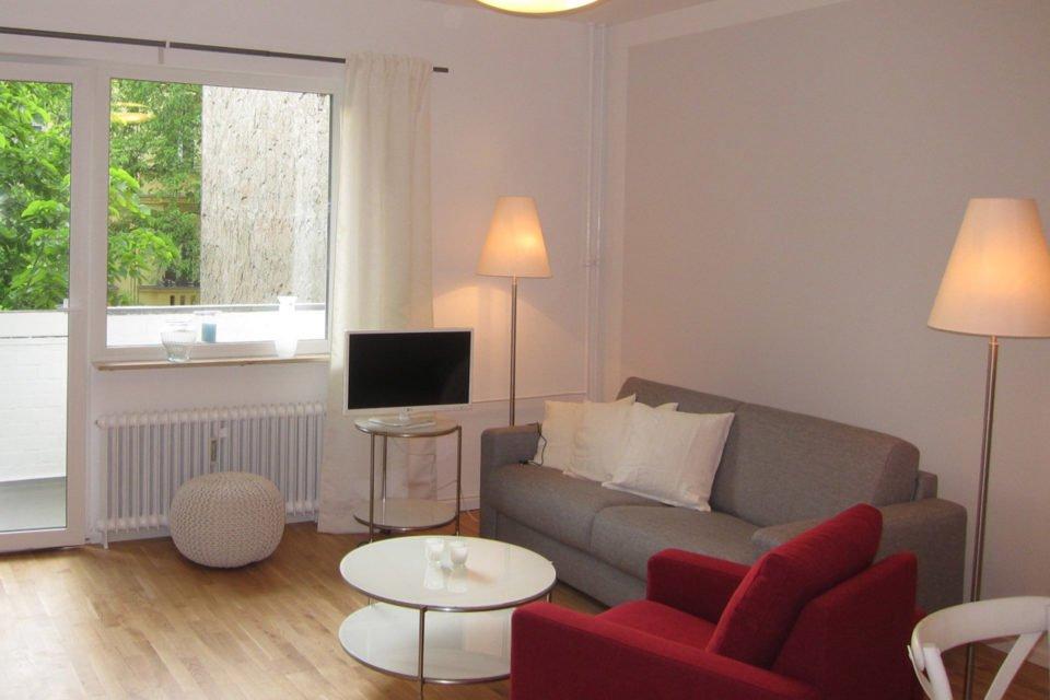 Pfalzburger Straße Modern eingerichtete 2-Zimmer-Wohnung mit Balkon
