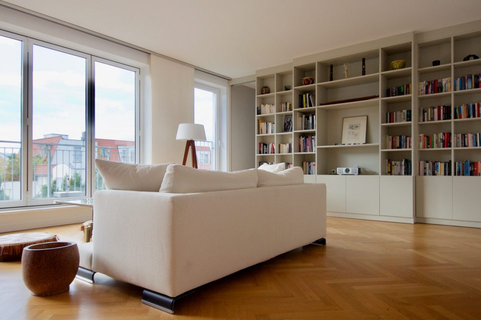 Sonnige Dachgeschosswohnung in sehr beliebter Wohngegend