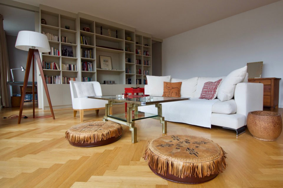 Sunny penthouse apartment  in a very popular residential area