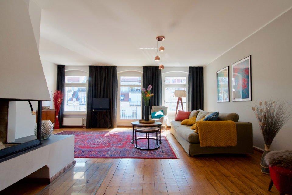 Einladende Wohnung mit 2 Schlafzimmern, offenem Kamin und idyllischem Balkon