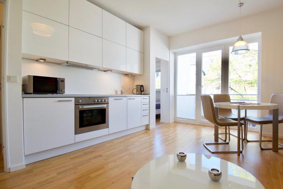 Bayerische Straße Entzückende Wohnung mit kleinem Schlafzimmer und sonnigem Balkon