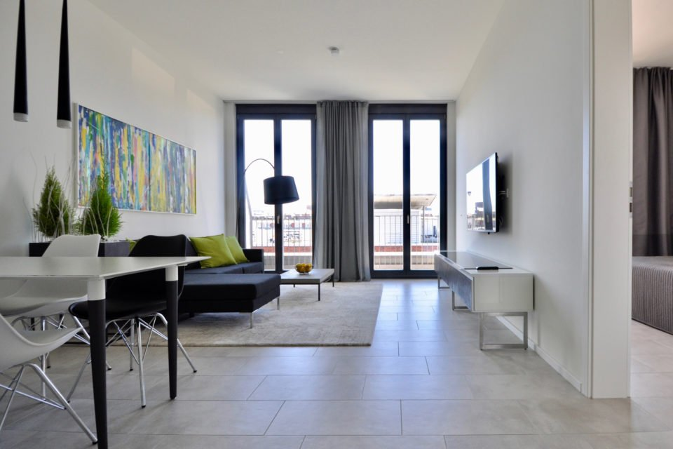 Kommandantenstraße – Fantastische – 2 Zimmer Wohnung in Seitenstraße direkt am Spittelmarkt